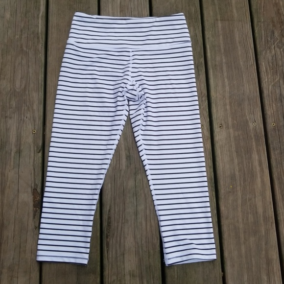 825a39321ebf4d Striped Scorpio Soul Sz XS Athletic Leggings VGUC.  M_5b92f7f86a0bb7ea6b2bf007
